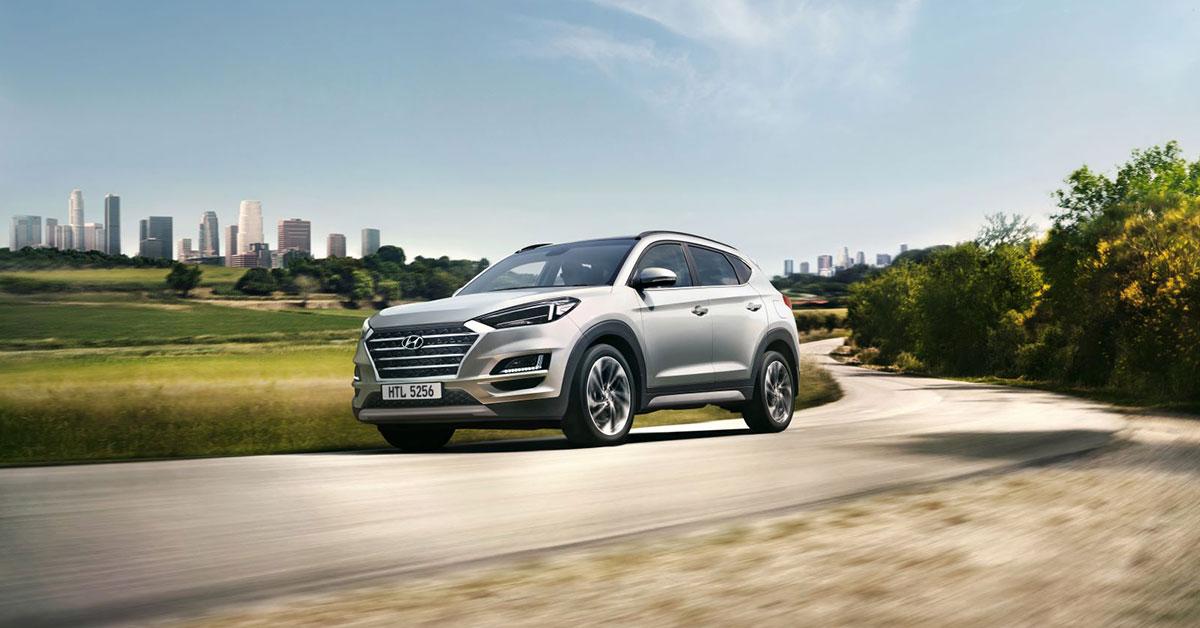 2018-Hyundai-Tucson-driving