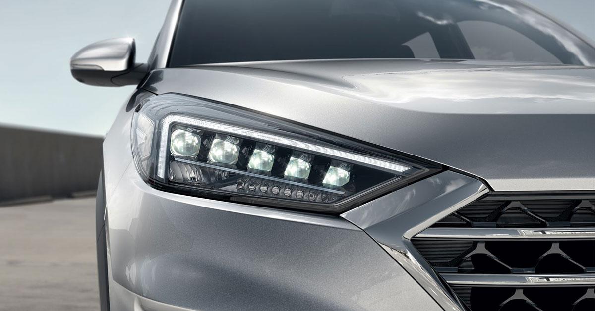 2018-Hyundai-Tucson-headlights